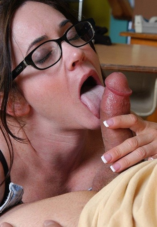 Old spunkers Alexa Hot Mature